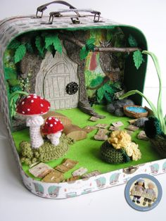 Forest gnomes - suitcase set made by Diy For Kids, Gifts For Kids, Felt Crafts, Diy And Crafts, Small World Play, Felt Toys, Diy Toys, Handmade Toys, Kids Playing