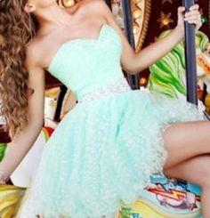 Adorable teal dress!
