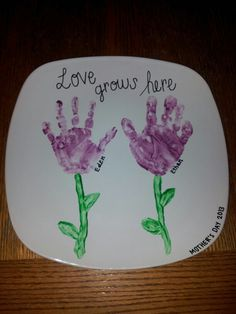 great idea for Abi and maybe I can get little Charlottes hands painted.lol