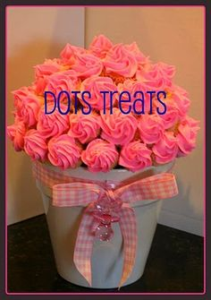 cupcake boquet(great gift idea for valentines or Mother's Day for my mom and mom in law ;)