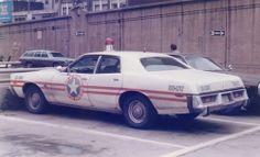 Radios, 4x4, Emergency Vehicles, Police Vehicles, Old Police Cars, Police Patrol, Plymouth Fury, Car Badges, Cars Usa