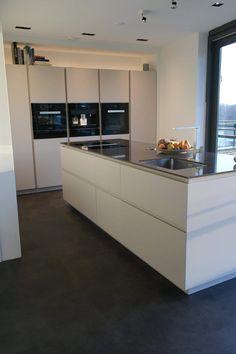 Kitchen Room Design, Modern Kitchen Design, Modern House Design, Kitchen Interior, New Kitchen, Home Interior Design, Kitchen Decor, Mid Century Modern Kitchen, Luxury Homes Dream Houses