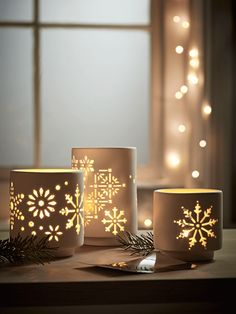 Simple and elegant, yet perfectly festive, our set of three unglazed porcelain tea light holders have a delicate snowflake cut out design, creating a soft glow and beautiful light patterns.