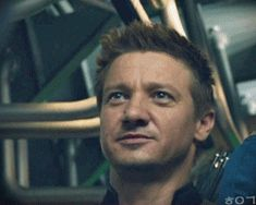 I will never get tired of seeing Jeremy Renner's face. I love it!