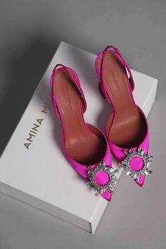 5 Inch And Up, Satin Pumps, Dream Shoes, Hot Shoes, Trendy Shoes, Mode Outfits, Luxury Shoes, Shoe Collection, Summer Shoes