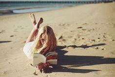 繊細な描写に誰もがどこかで共感する女性作家が描く恋愛小説7選