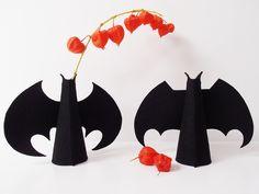 via en.dawanda.com Halloween Decorations – Halloween Bat Vase – a unique product by styLin on DaWanda