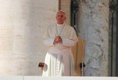 Papa Francisco: La oración nos cambia el corazón y nos hace comprender mejor cómo es Dios