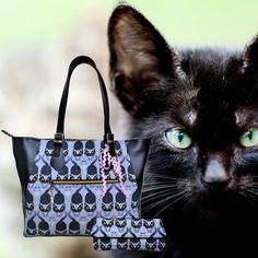 Never ending love - cats! Ein Leben ohne meine zwei Katerchen - unvorstellbar :-)🐱❤️ #blackcat #lovecats #cats #tasche #taschen #crossbodybag #rucksack #bag #backpack #handmade #kunsthandwerk #unikat #designerbag #crafts #mompreneurs #mompreneur #onlineshopping #schönetasche Gefällt mir