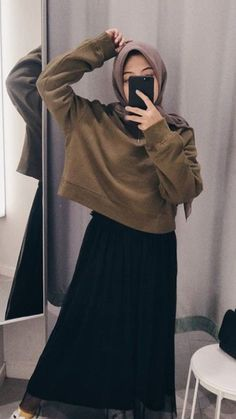 Referensi ootd Source by afridayunixx Outfits hijab Hijab Casual, Hijab Chic, Hijab Fashion Casual, Hijab Style Dress, Street Hijab Fashion, Muslim Fashion, Fashion Outfits, Ootd Hijab, Casual Outfits