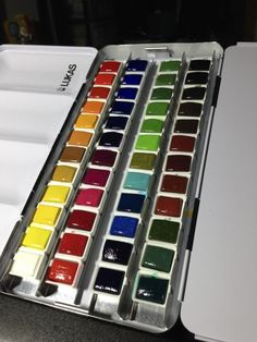 Excellent info on entry-level artist tools for watercolor.