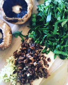 Portobellini rellenos de espinaca Portobello Rellenos, Queso Mozzarella, Carne, Stuffed Mushrooms, Vegetables, Healthy, Crochet, Recipes, Food