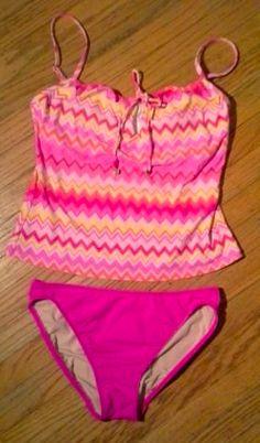 c44e974196 Liz Claiborne Women's Pink Zig Zag Print Tankini Set W/Key Hole  Opening-Size M
