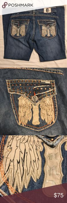 Laguna Beach Men's Jeans 40 x 34 Skull Wings Laguna Beach Men's jeans Size 40 x 34 Light wear overall, great condition Rhinestones Metal skull buttons and hardware Leather wings on back pockets Leather wings have wear - please see close-up Laguna Beach Jeans Bootcut