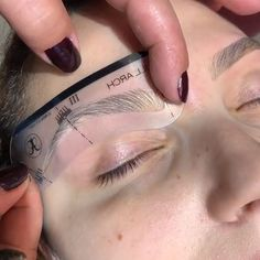 nair eyebrows perfect brows In case you want to get the perfect eyebrow shape! Eyebrow Makeup Tips, Permanent Makeup Eyebrows, Eye Makeup Remover, Perfect Eyebrows Tutorial, Eyebrow Tutorial, Perfect Eyebrow Shape, Perfect Brows, How To Draw Eyebrows, Drawing Eyebrows