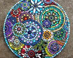Mosaic by Plum Art Mosaics 2014 (Sharon Plummer) MásDecorating Blue Mosaic Outdoor Table Mosaic Tile Centerpieces Garden Mosaic Tiles The Inspiration of Mosaic Table Ideas White.mosaic table top best mosaic table tops ideas on mosaic outdoor best mo Table Mosaic, Mosaic Outdoor Table, Mosaic Wall, Mosaic Mirrors, Mosaic Glass Art, Wall Tiles, Mosaic Birdbath, Mosaic Pots, Outdoor Tables