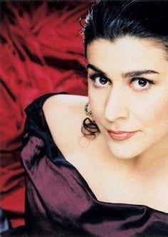 CECILIA BARTOLI ( mezzosoprano )