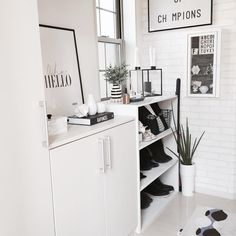 We also introduce recommended black and white items in 100 averages ☆ Office Desk, Room Decor, Shelves, Black And White, Interior, Kitchen, Table, House, Furniture