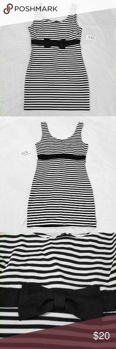 Forever XXI Black and White Bow NWT  BLACK AND WHITE STRIPES  ZIPPERED BACK Forever 21 Dresses Mini