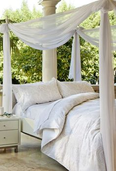 I want this four poster bed!