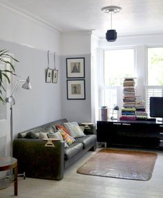 Love the idea of the picture rail dividing two tone walls, nice clean blue, not so much furniture Gray Interior, Interior Design, Interior Ideas, Living Room Decor, Living Spaces, Living Room Paint Ideas Two Tone, Dining Room, Two Tone Walls, Two Tone Paint