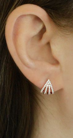 five prong diamond huggies are the perfect way to amp up your look! Solitaire Earrings, Gold Diamond Earrings, Gold Earrings Designs, Ruby Earrings, Diamond Studs, Diamond Pendant, Earrings For Women, Tragus Earrings, Simple Earrings