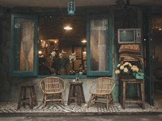 Vintage coffee shop design ideas on Behance Cafe Interior Vintage, Vintage Cafe Design, Cafe Shop Design, Coffee Shop Interior Design, Restaurant Interior Design, Coffee Design, Resturant Design Ideas, Bakery Interior, Vintage Food