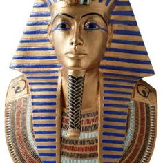 Most ancient Egyptians wore some sort of headdress; the style and quality of the headdress reflected the social status of the wearer. There are several simple versions of a headdress that you can make at home as part of a man's Egyptian costume. Egyptian Mask, Egyptian Makeup, Egyptian Party, Egyptian Costume, Egyptian Pharaohs, Cleopatra Makeup, Egyptian Wedding, Egyptian Fashion, Pharoah Costume