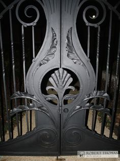 Hand-forged leaves on a gate in Pittsburgh. By Robert Thomas Iron Design Iron Furniture, Furniture Design, Door Gate Design, Iron Work, Scroll Design, Identity Design, Blacksmithing, Gates, Pittsburgh