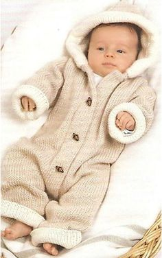 Beige Overall gefüttert Baby Knitting, Crochet Baby, Knit Crochet, Pregnancy Problems, Sleeping Bag, Baby Born, Baby Fever, Kids Boys, Little Ones