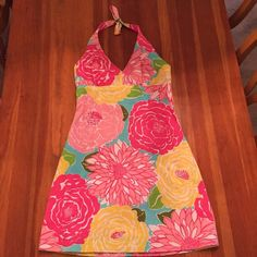❗️1 day Sale❗️Lilly Pulitzer halter dress Lilly Pulitzer halter dress...perfect for spring  Lilly Pulitzer Dresses