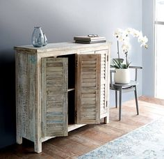 #indianrecycled #recycledwood #reclaimedwood #cabinet #shuttercabinet