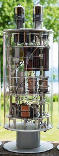 Hi end 211 by VinylSavor,..gebaut von einem Meister der Röhrenbaukunst,..Thomas Mayer.
