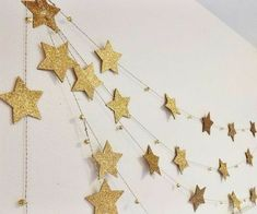 Gold Star Garland with mini bells by on Etsy - Star Decorations Ramadan Crafts, Ramadan Decorations, Birthday Decorations, Christmas Decorations, Christmas Garlands, Parties Decorations, Christmas Stars, Parties Food, Christmas Baby