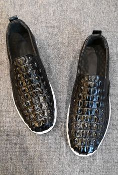 Man Shoes, Crocodile Skin, Black Man, Leather Shoes, Casual Shoes, Versace, Kicks, Dress Shoes, Smooth