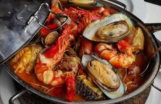 This Portuguese fish and seafood cataplana recipe (receita de cataplana de peixe e marisco) originates from the southern region of Portugal, and it's about. Food Recipes For Dinner, Food Recipes Homemade Clam Recipes, Garlic Recipes, Seafood Recipes, New Recipes, Chicken Recipes, Seafood Appetizers, Salmon Recipes, Fish Stew, Baked Cod