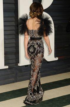 Jennifer Aniston leads glamour at Vanity Fair Oscars bash Weekend Dresses, Weekend Outfit, Gala Dresses, Evening Dresses, Long Dresses, Celebrity Red Carpet, Celebrity Style, International Fashion Designers, Vanity Fair Oscar Party