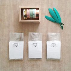 HELLO  Hôtel Bohême J-2 !!! On checke l'avancement des derniers préparatifs....  Packaging (pochettes)  Stock de broches et barettes  Masking tape  Je pense que ça avance pas mal... Allez j'emballe tout   #photoftheday #salondecreateurs #ventedecreateurs #bientotbientot #cestceweekend #preparation #stock #production #productionenmasse #boulotboulot #packaging #maskingtape #mescreations #creationparisi #faitmain #handmade #createurfrancais #frenchdesigner #madeinparis #madewithlove…