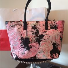 Kate Spade Large Zip Tote NWT! New with tags! Authentic from Kate Spade. Large tote with top zip closure. Color black and pink, always chic and trendy. Fully lined.  No trades ✅Tags are attached kate spade Bags Totes