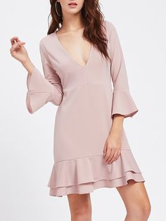 ¡Consigue este tipo de vestido informal de SheIn ahora! Haz clic para ver los detalles. Envíos gratis a toda España. Fluted Sleeve Layered Flounce Hem Dress: Pink Elegant Sexy Polyester Deep V Neck Long Sleeve A Line Knee Length Ruffle Plain Fabric is very stretchy Spring Fall Drop Waist Dresses. (vestido informal, casual, informales, informal, day, kleid casual, vestido informal, robe informelle, vestito informale, día)