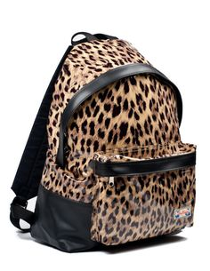 I want this leopard backpack!(even though I'm not in school)