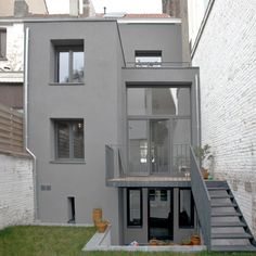 Trendy home renovation exterior grey Ideas Diy Projects Apartment, Townhouse Exterior, Style Minimaliste, Grey Houses, Small Buildings, Trendy Home, Modern House Design, Architecture, Home Renovation