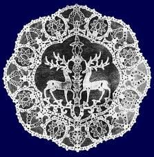 Halasi csipke , - Csodaszarvas Lace from Halas, HUNGARY, Wonder-deer with the Life-Tree Chain Stitch Embroidery, Learn Embroidery, Embroidery Art, Embroidery Stitches, Embroidery Patterns, Stitch Head, Hungarian Embroidery, Deer Art, Art Textile
