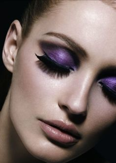 #makeup #eyes #eyeliner #mascara #eyeshadow #purple