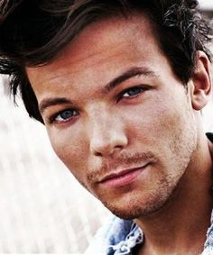 LOUIS. Oh my jesus lord. His stubble it too perfect. <3 Actually, he is perfect. <3