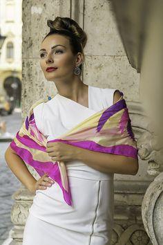 Hand-painted silk scarf  Selyemmánia Webáruház  Budapest Hungary
