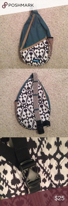 Kavu rope bag Kavu rope bag, barely used. 3 pockets, a lot of space to hold your things! Great to take anywhere from hiking, an amusement park, or to a mall! The rope strap is easily adjustable and clips together. NO TRADES. kavu Bags Crossbody Bags