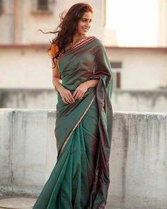 Indian Photoshoot, Saree Photoshoot, Photoshoot Ideas, Mehndi, Sarees For Girls, Saree Poses, Simple Sarees, Saree Trends, Stylish Sarees