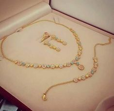 Gold Jewelry Buyers Near Me Info: 2146131859 Gold Jewelry Simple, Stylish Jewelry, Simple Necklace, Fashion Jewelry, Jewelry Model, Gold Jewellery Design, Jewelry Patterns, Necklace Designs, Bridal Jewelry