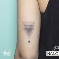 Nano, artista en Iris Tattoo.
